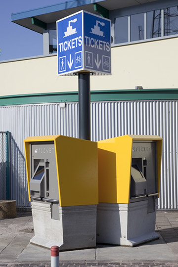 Zelfservice ticketkiosken voor TESO