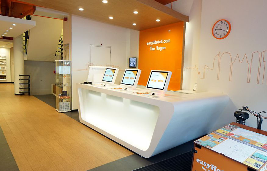 Self-check-in kiosken voor EasyHotel