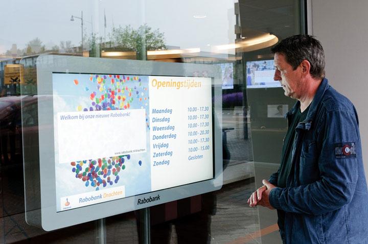 Rabobank, monitorbehuizing etalage