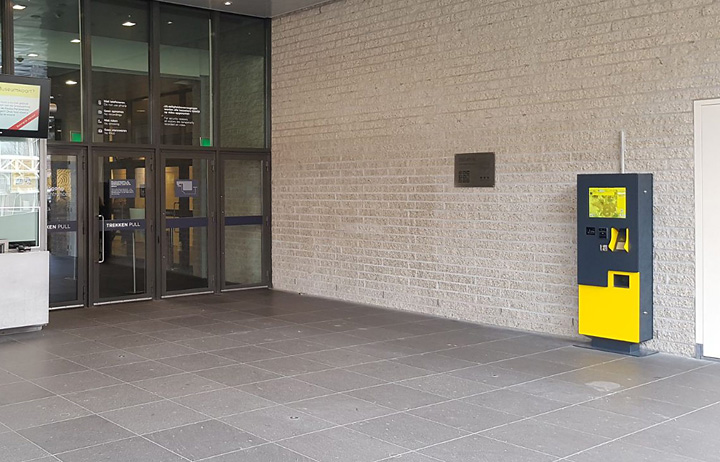 Outdoor selfservice kiosk Van Gogh Museum
