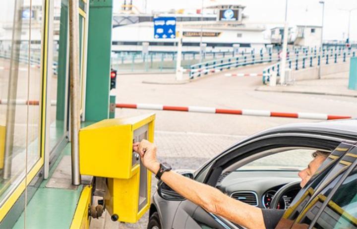 Snel betalingen afhandelen vanuit de auto