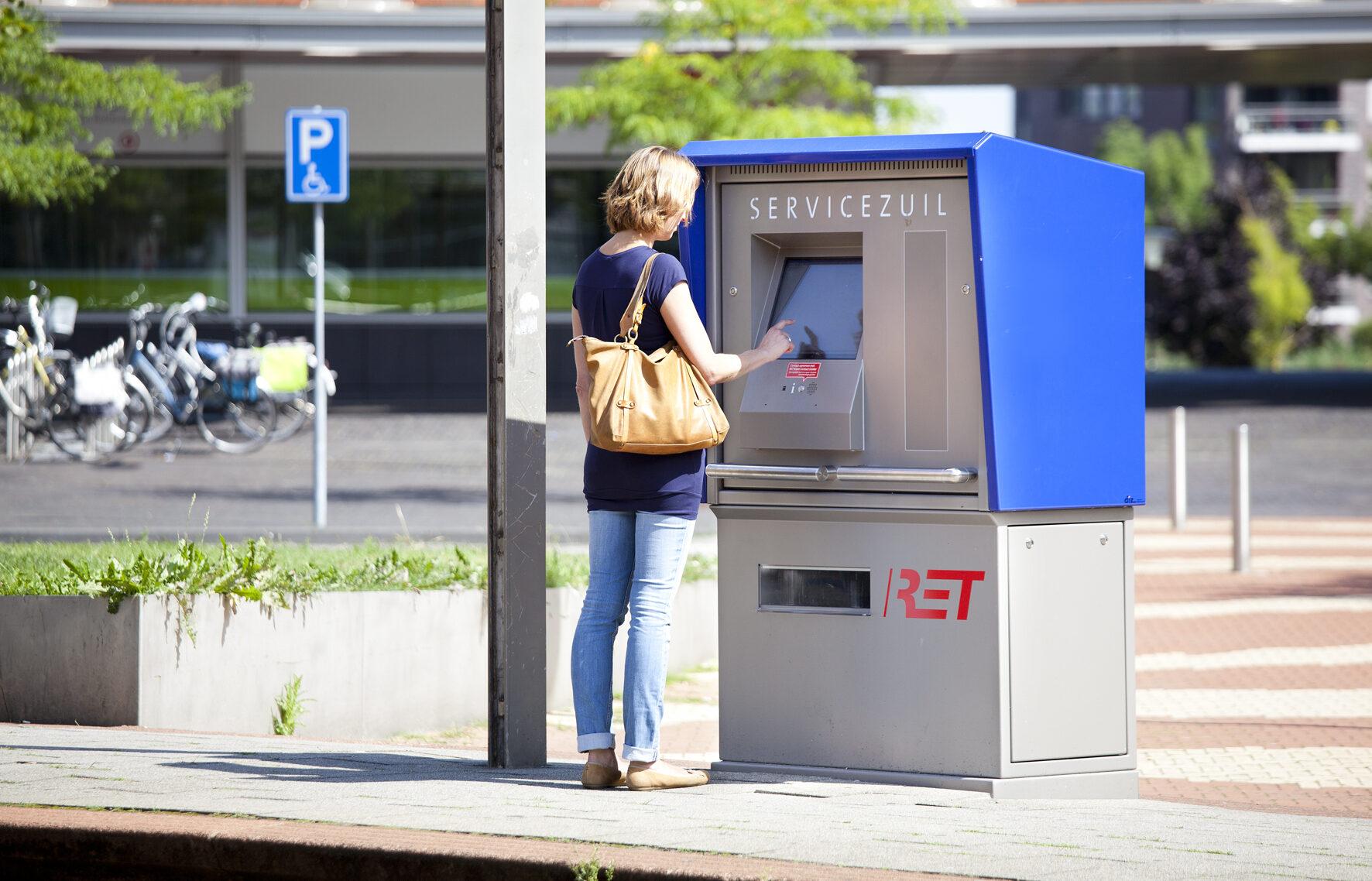 Servicezuilen voor de RET Rotterdam